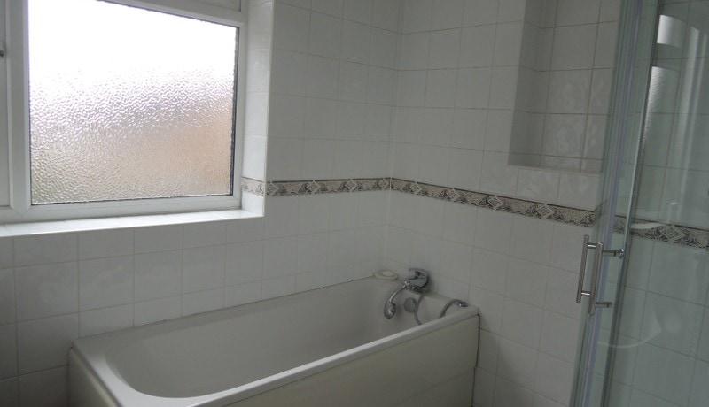 178 Cat Hill Bathroom