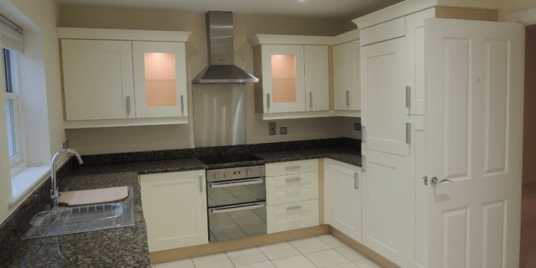 9 hardy  way   kitchen 2
