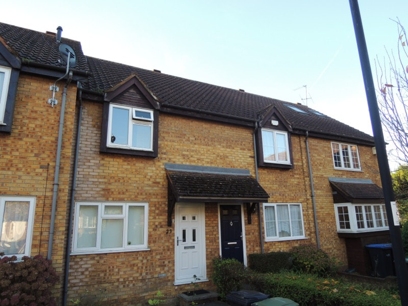 Enfield, (Mahon Close)
