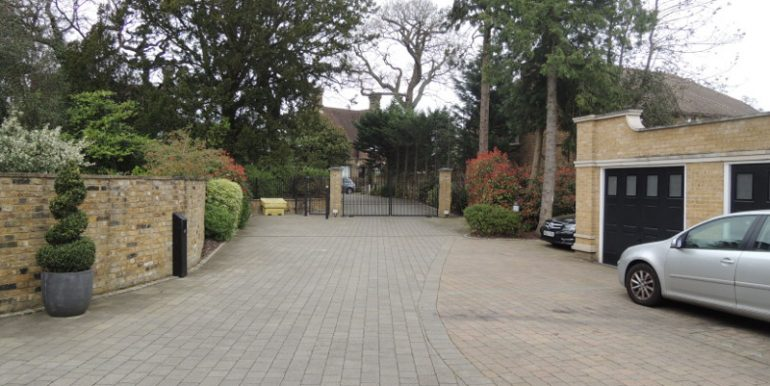 4 imperial grove driveway