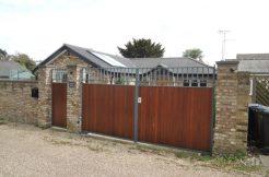 Hadley Highstone, (Old Fold Lane)