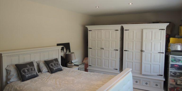 28 broadgates guest bedroom