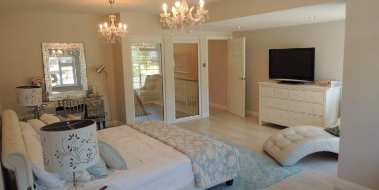28 broadgates master bedroom