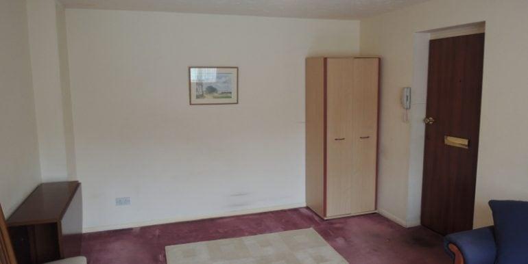 86 Boleyn Way studio room