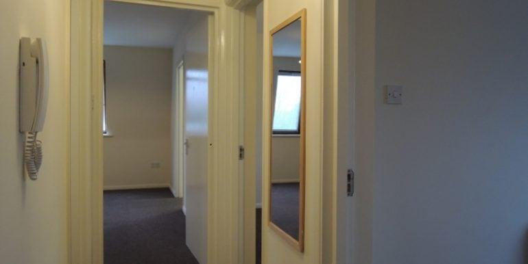 7 oakhill court hallway