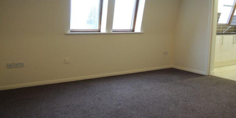 7 oakhill court lounge