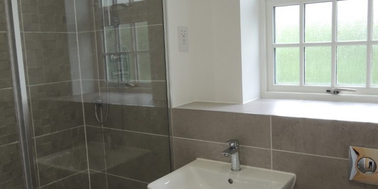 3 grove court ensuite shower room