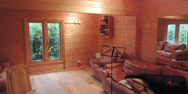 12b lancaster studio room