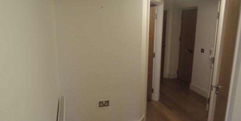4 mandarin hallway