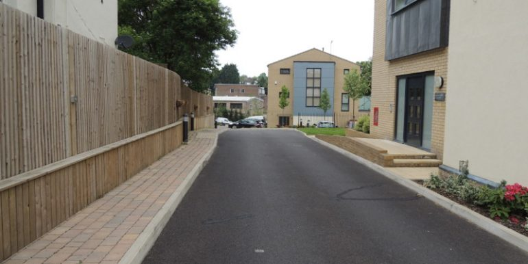 mandarin court driveway