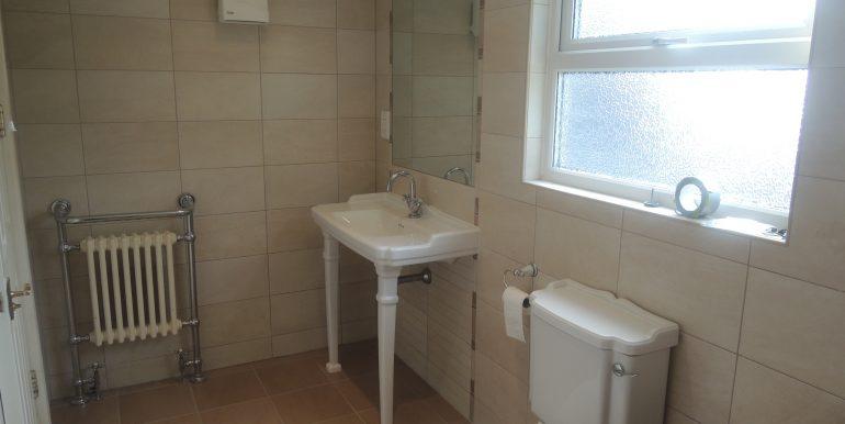 23c warwick bathroom