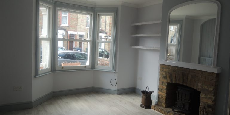 4 Puller Road front reception