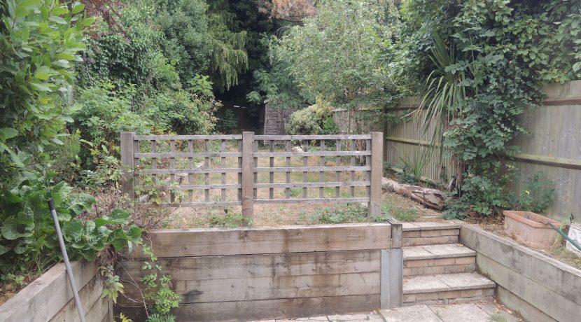 86 Clifford Road garden