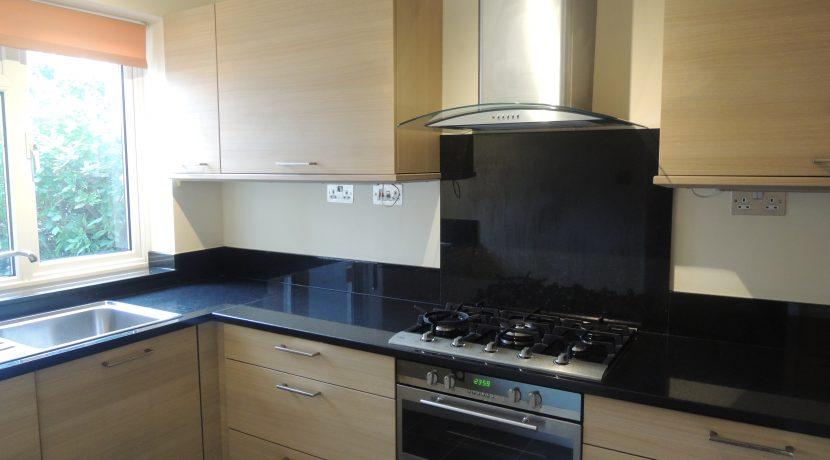 86 Clifford Road kitchen