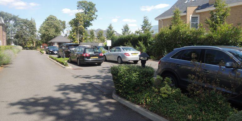 beulag court parking area