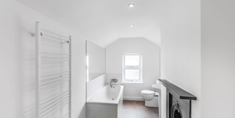 52 lytton road bathroom